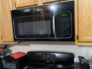 NEW GE Over The Stove Microwave 1000W w/ Light & Exhaust Vent for Sale in Redford Charter Township, MI