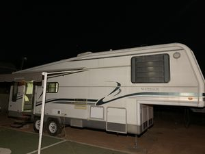 Holiday Rambler 5th wheel trailer for Sale in Canyon Lake, CA