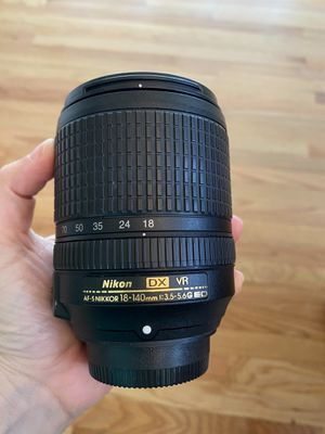 Nikon Nikkor AF-S 18-140 DX Lens for Sale in Danbury, CT