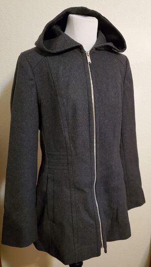 NEW Women Coat With Hood Size MT for Sale in Everett, WA