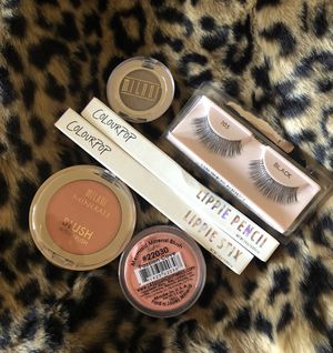 Makeup bundle for Sale in Chino, CA
