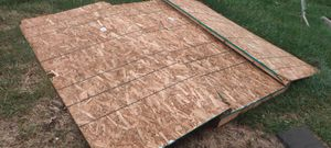 FREE pallet wood and scrap metal for Sale in Grandview, MO