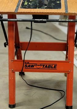 Rare Hard To Find HIRSH Folding Saw Table for Sale in Covington,  WA