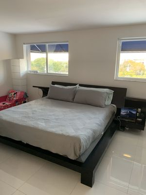 King size bed frame and head board for Sale in Miami, FL