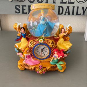 Disney Princesses SnowGlobe Clock Cinderella Ariel Belle Snow White Aurora for Sale in Sorrento, FL