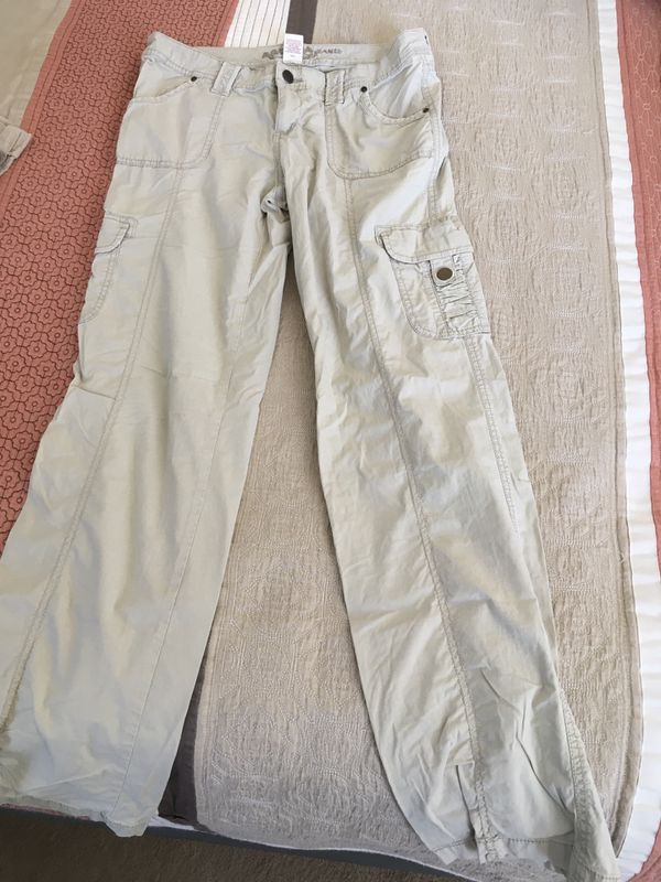 Women's tan cargo pants size 5