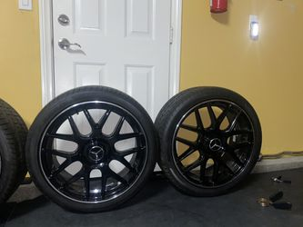 Mercedes 5x112 rims 19 in staggered IN BRAND NEW CONDITION for Sale in Rancho Cucamonga,  CA