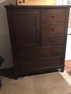 Versatile chest. Wardrobe. Drawers, shelf or hanging rod option. Perfect condition. for Sale in Austin,  TX