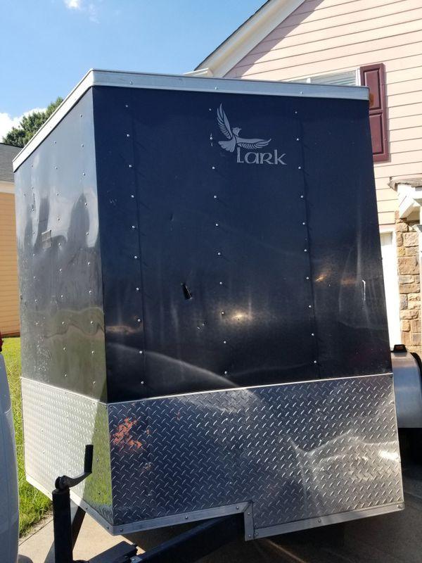 Lark 2016 black trailer