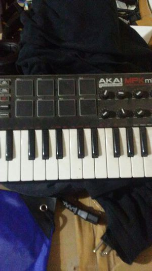 Keyboard for music for Sale in Redwood City, CA