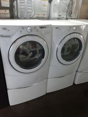 $699 whirlpool Duet washer and dryer set includes storage pedestals delivery in the San Fernando Valley a warranty and installation for Sale in Los Angeles, CA