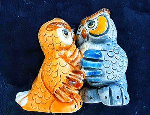 Small art pottery owl figurine artesania rinconada ? No damage for Sale in Saginaw, MI