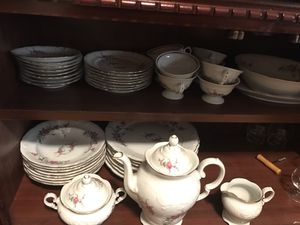 china set, serves 8 for Sale in Haines City, FL