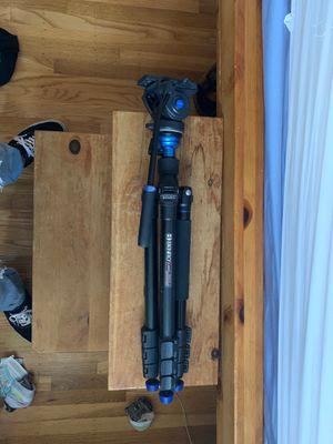 Benro Aero 4 Camera Tripod for Sale in Dublin, CA
