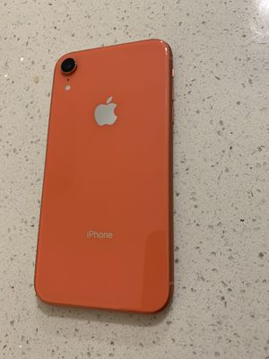 IPhone XR 64GB Coral for Sale in Salinas, CA