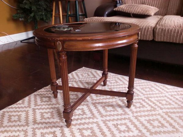 Gordon's Fine Furniture of Tennessee. 3 Antique End Tables. Very collectable!!!