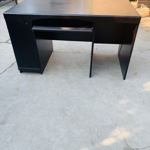 Desk SOLID WOOD for Sale in Fresno, CA
