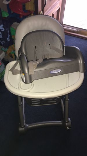 High chair for Sale in Essex, MD