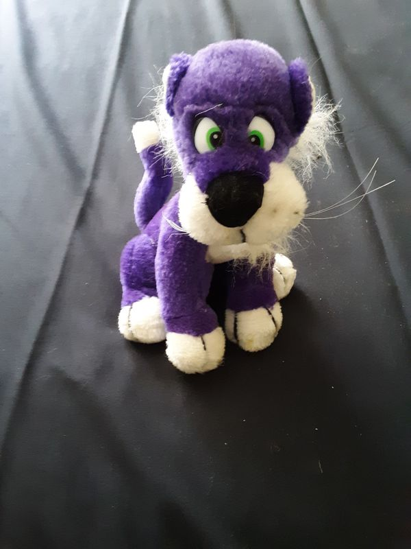 Stuffed animal saber toothed tiger