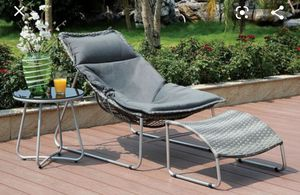 Patio chair and ottoman for Sale in North Las Vegas, NV