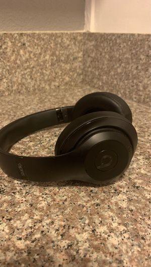 Beats by Dre wireless headphones for Sale in Los Angeles, CA