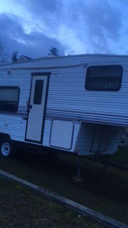 1998 kit companion fifth wheel for Sale in Everett,  WA