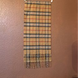 Burberry Classic Beige Check Scarf for Sale in Salem,  OR