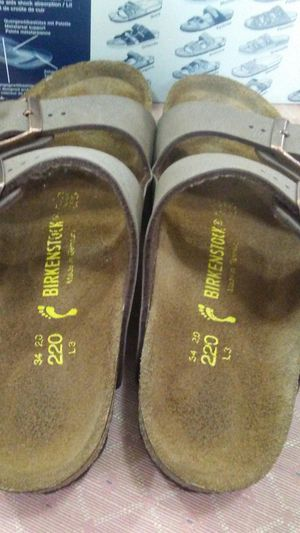 Birkenstock size child 4 or 3.5 adult new in box for Sale in Pittsburgh, PA