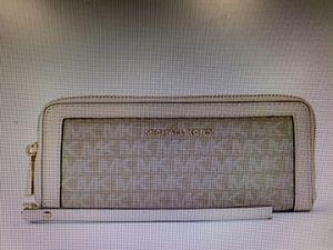 Michael Kors wallet for Sale in Rialto, CA