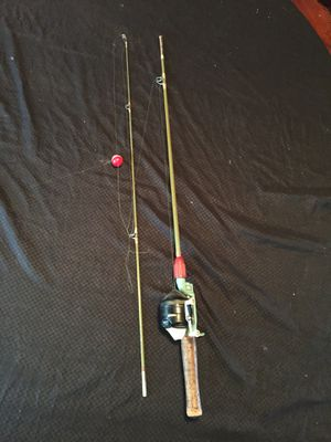 Fishing rod Zebco 202 for Sale in Parma, OH