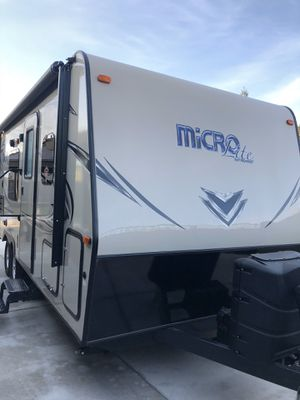 2018 Micro Lite by Flagstaff travel Trailer for Sale in Sacramento, CA
