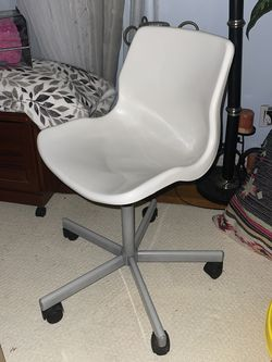 While Ikea Desk Chair for Sale in Montebello,  CA