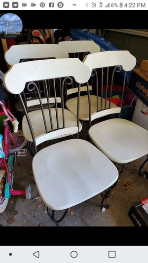 Table and 4 chairs for Sale in Fort Worth, TX