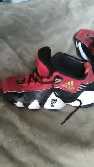 Kobe's ADIDAS crazy 8s sz 9's Red, Black, White, Brand New with out tags or box! $70.00 O.B.O! for Sale in Washington, PA