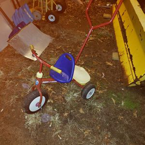 Radio Flyer Tricycle for Sale in East Hartford, CT