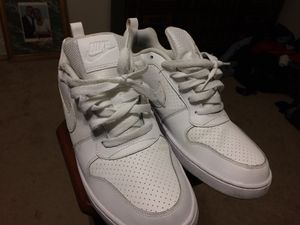 Size 9.5 Nike shoes for Sale in Takoma Park, MD