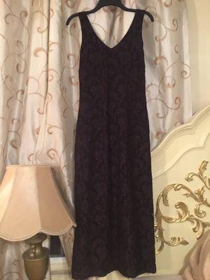 Long dress color dark purple brand Esprit De Corp size M like new for Sale in San Diego, CA