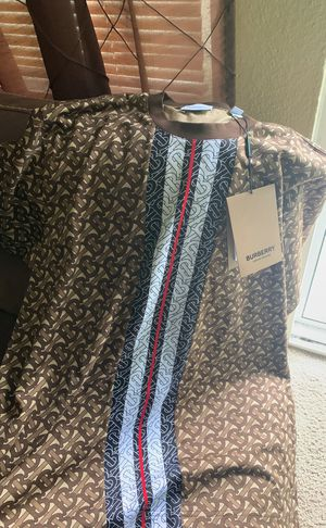 Small Burberry Shirt for Sale in Puyallup, WA