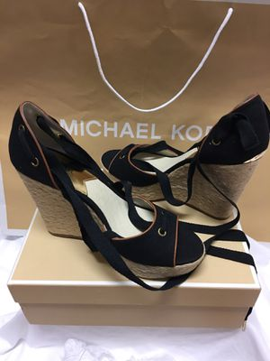 Michael kors size 9/1.2 M black wedge for Sale in Los Angeles, CA