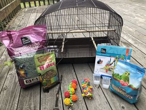 Like-New Bird Cage with Food + Accessories for Sale in Prunedale, CA