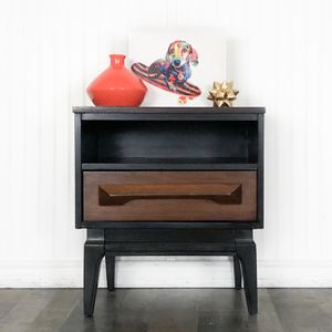 Mid Century Modern Endtable/Nightstand for Sale in Troy, MI