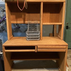 Wood Computer Desk with Hutch for Sale in Fresno, CA