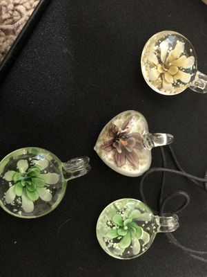 Wholesale glass pendant necklace for Sale in Greenville, SC