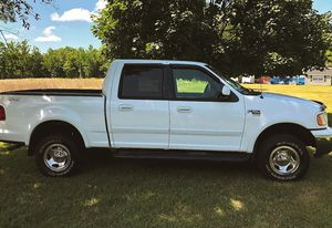 ✅I sell urgently 2OO2 Ford F-15O XLT $8OO for Sale in Tacoma, WA