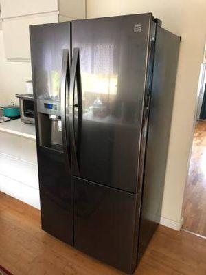 Like New Kenmore Elite Fridge Refrigerator for Sale in Bellevue, WA