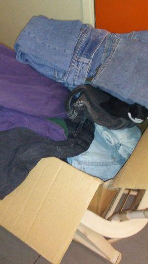 Men's levis 20-30 pair of jeans for Sale in Santa Monica, CA