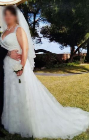 Wedding Dress and Veil for Sale in North Las Vegas, NV