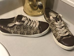 Michael Kors shoes for women Size 6 1/2 for Sale in Tacoma, WA