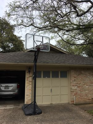 Basketball hoop for Sale in Austin, TX