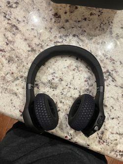 JBL Under Armour Train Black/Stealth Gray Bluetooth Wireless On-Ear Headphones for Sale in Memphis,  TN